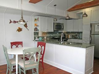 Cozy House with Internet Access and A/C - Catalina Island vacation rentals
