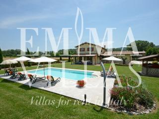 Il Giglio 6+2 - Perugia vacation rentals
