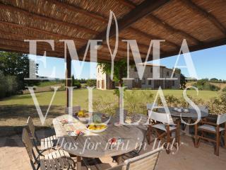 Comfortable 10 bedroom Siena Villa with Internet Access - Siena vacation rentals