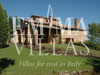 L'Alcova 4+1 - Siena vacation rentals