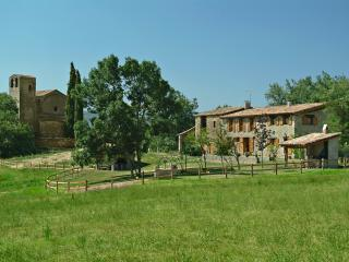 Adorable Cottage with Dishwasher and Grill in Province of Girona - Province of Girona vacation rentals