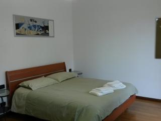 Cozy 2 bedroom Mirano Townhouse with A/C - Mirano vacation rentals
