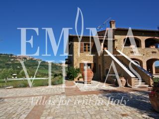 3 Bedroom Tuscan Farmhouse at Le Terre di Nunzio - Montepulciano vacation rentals