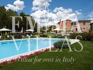 Bright 8 bedroom Villa in Siena - Siena vacation rentals