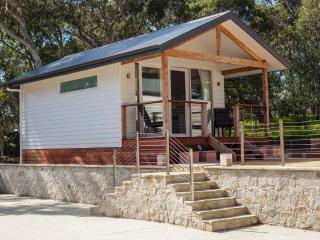 Beautiful 1 bedroom Cabin in Torquay - Torquay vacation rentals