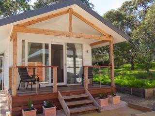 Beautiful 1 bedroom Torquay Cabin with Short Breaks Allowed - Torquay vacation rentals