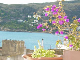 HOUSE PAIRED CENTRE CADAQUES  Sea View AIR - Cadaques vacation rentals