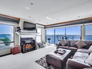 Karla's Riviera Villas Condo - Bay Front Luxury for 2 - Pacific Beach vacation rentals