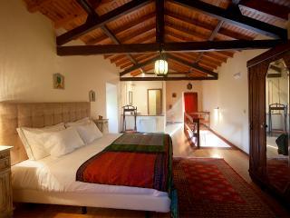 ARTVILLA - One bedroom Apartment - Carvalhal vacation rentals