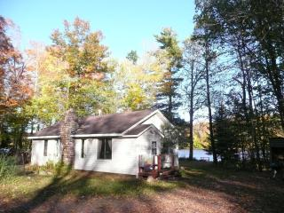"""LITTLE HOUSE ON THE FLAMBEAU"" - Ladysmith vacation rentals"
