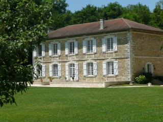 Nice Guest house with Internet Access and A/C - Villebois-Lavalette vacation rentals