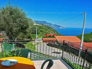 MIRKO - 1 BEDROOM - SLEEPS 3 - SEA VIEW - TERRACE - Sant'Agnello vacation rentals
