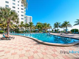 Ocean View Beautiful Condo in Hollywood Beach - 1B - Hollywood vacation rentals