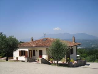 Perfect 4 bedroom Montefalcione Villa with Internet Access - Montefalcione vacation rentals