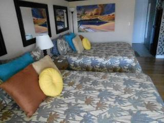 Great Waikiki Views! Studio 2 BDS, Ocean View 2119 - Honolulu vacation rentals