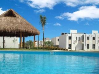 House with Pool. 4/5 p. - Playa del Carmen vacation rentals