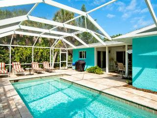 Charming 3 bedroom House in Holmes Beach with Deck - Holmes Beach vacation rentals