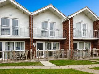 COASTAL VILLA, near beach, pool, in Corton Ref 21764 - Corton vacation rentals