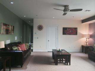 Luxurious Condominium 15 Minutes From Times Square - New Jersey vacation rentals