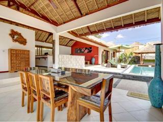 Villa AVA - Charming 4BR & Private Pool Villa in Umalas, 5min away from Seminyak - Kerobokan vacation rentals