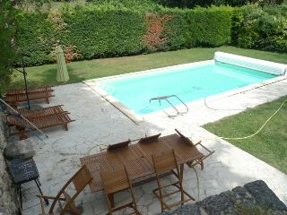 Nice House with Internet Access and Dishwasher - Saint-Restitut vacation rentals