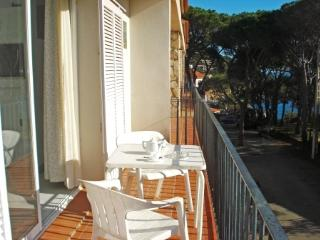 BUNGALOW ANCORA - Llafranc vacation rentals
