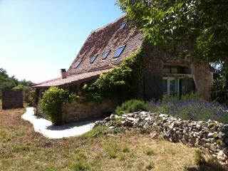 Maison Quercynoise Piscine 15 mn Cahors - Cahors vacation rentals