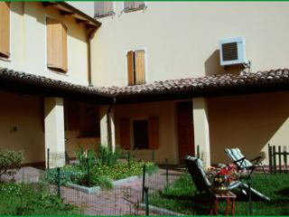 LA PILASTRINA - Modena vacation rentals