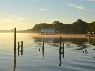 Wi-Fi, POTOMAC RIVER SUNSETS,  POLITE DOG FRIENDLY - Santa Cruz vacation rentals