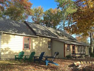 Renovated Schoolhouse - Hudson Valley Getaway - Hyde Park vacation rentals