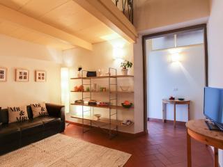 Loggia dei Ciompi - sleep 6 - Florence vacation rentals