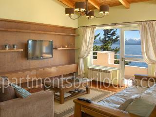 2 BEDROOM/2 BATH (AP2) INCREDIBLE LAKE VIEW! - San Carlos de Bariloche vacation rentals