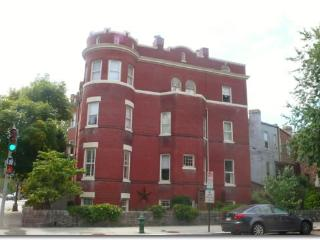 Large 2 bedroom 3 blocks to Capitol and Metro - Washington DC vacation rentals