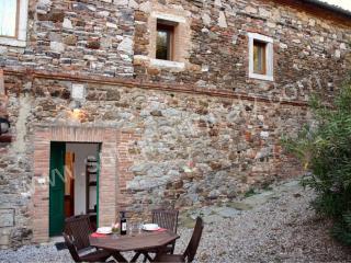 Comfortable 2 bedroom House in Rapolano Terme with Deck - Rapolano Terme vacation rentals