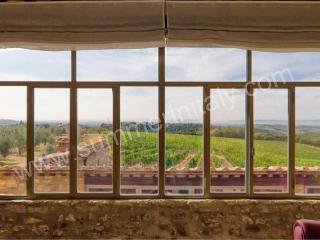 Charming 9 bedroom Castelnuovo Berardenga House with Deck - Castelnuovo Berardenga vacation rentals