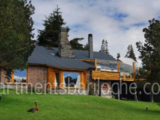 3 BEDROOM/ 4.5 BATH (H37) ON THE LAKE!! - Patagonia vacation rentals