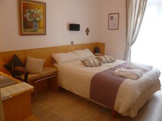 Bright 5 bedroom Vacation Rental in Lourdes - Lourdes vacation rentals