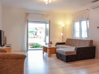 Spacious, Relaxing and Fresh Apartment in Pula - Pula vacation rentals