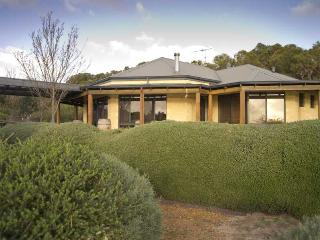 Lovely 4 bedroom Yallingup House with A/C - Yallingup vacation rentals