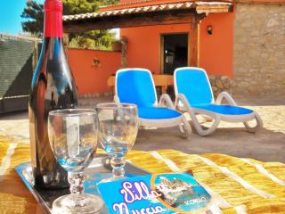 4 bedroom Villa with Internet Access in Castellammare del Golfo - Castellammare del Golfo vacation rentals