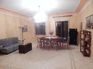 Cozy 2 bedroom Apartment in Crotone with A/C - Crotone vacation rentals