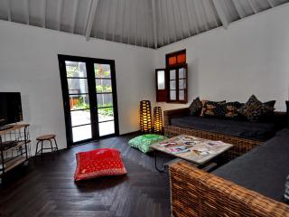 Del Boca Villa - Gorgeous 4 bedroom 400m to Beach - Bali vacation rentals