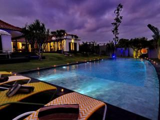 Gorgeous 4 bedroom 400m to Indian Ocean - Canggu vacation rentals