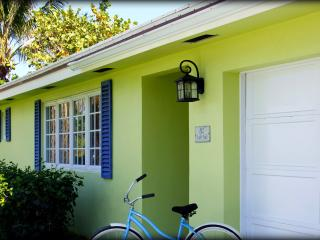 Peaceful Coastal Cottage Near Beach + Intracoastal - Boynton Beach vacation rentals