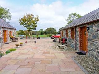 POPPY COTTAGE, romantic, country holiday cottage, with a garden in Caeathro, Ref 4453 - Caeathro vacation rentals