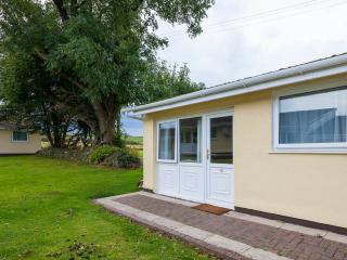Beautiful 2 bedroom Bungalow in Manorbier - Manorbier vacation rentals