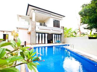 Lovely Luxury Villa at Nusa Dua - Nusa Dua Peninsula vacation rentals