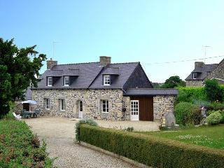 2012 Brittany cottage in country setting - Saint-Brieuc vacation rentals