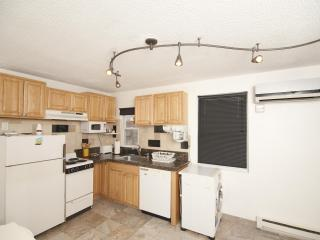 Entire apt 15 min to Manhattan/Times Square - Union City vacation rentals