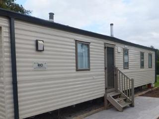 Luxury Caravan at Flamingo Land Theme Park and Zoo - North Yorkshire vacation rentals